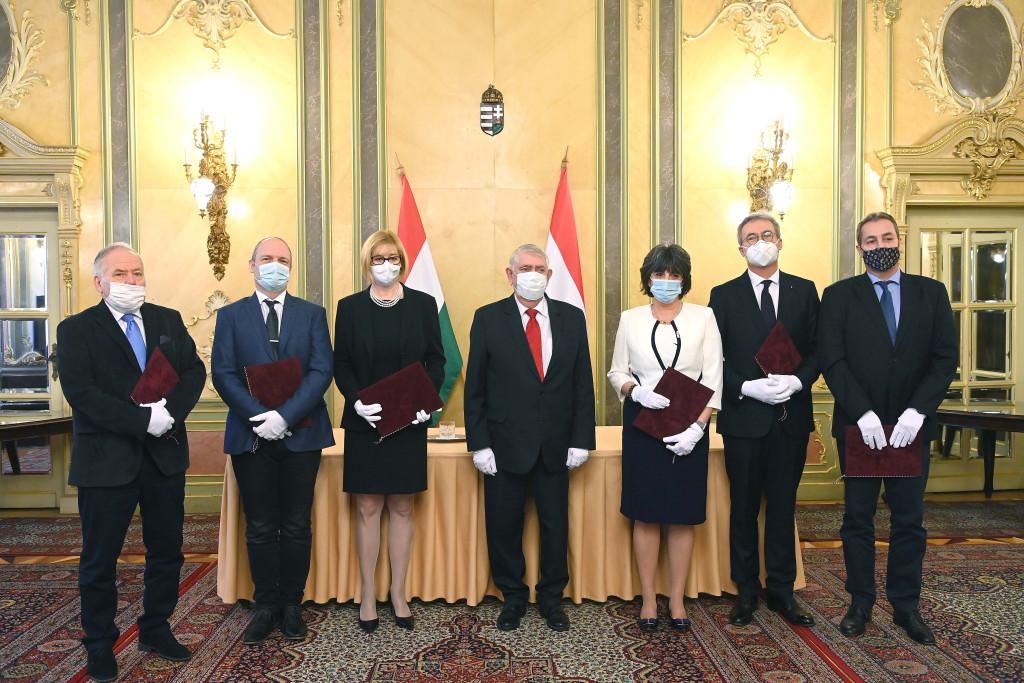ANDRÉKA Péter; BOGOS Krisztina; POLGÁR Csaba; POÓR Gyula; NAGY Anikó; PÉTER Gábor; PÉTER Gábor; KÁSLER Miklós